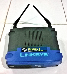 Router Mikrotik RB750 dan Access Point Linksys WAP54G emerer.com 2 linksis