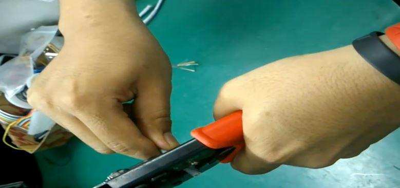 5 Cara Crimping dan Pasang Konektor RJ-45 pada Kabel UTP LAN model Straight serta Cross emerer.com