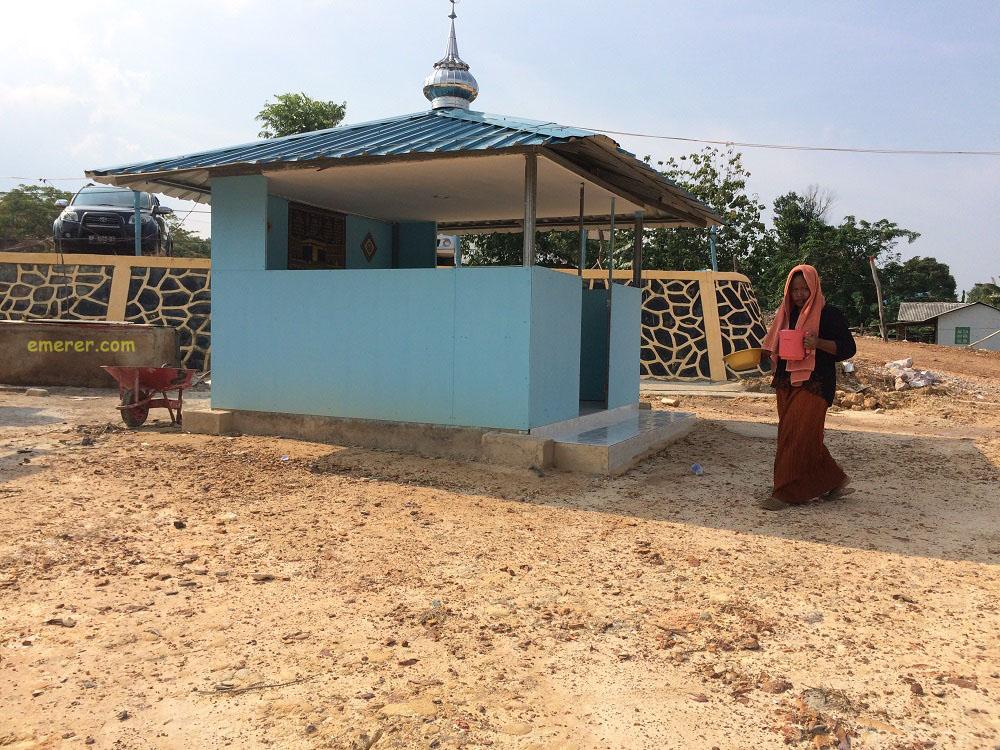 Jalan Jalan Pantai Setokok Barelang emerer.com 12a