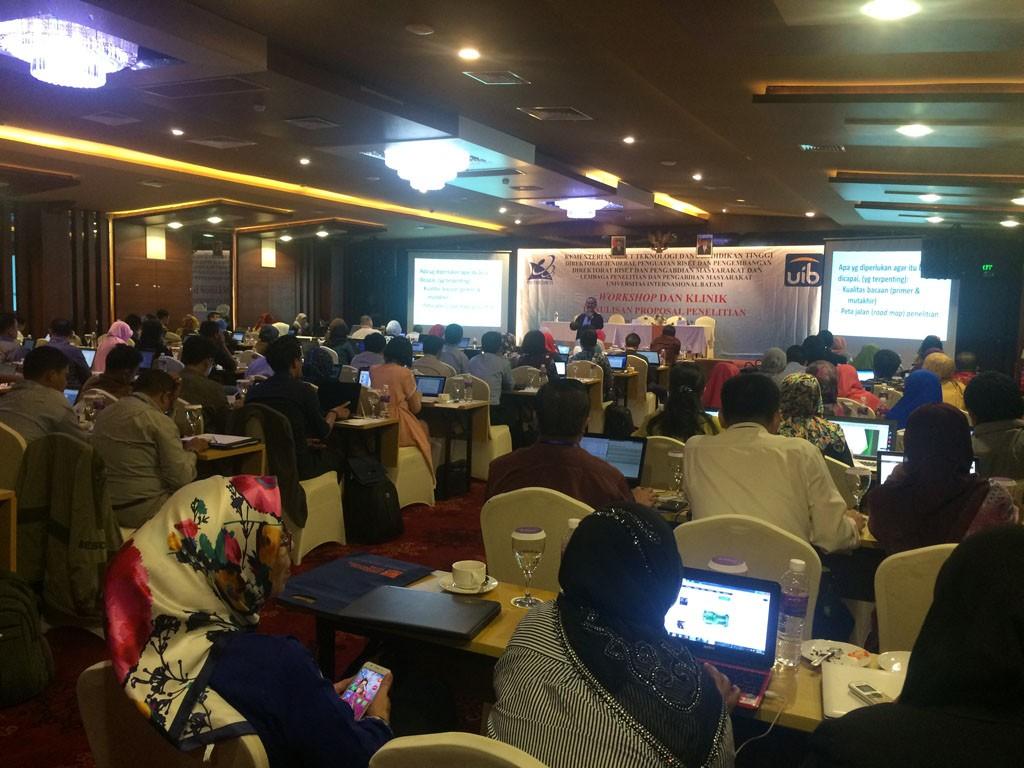 Materi Workshop dan Klinik Penulisan Proposal Penelitian 2017 2