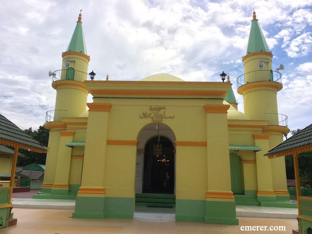 Pulau Penyengat, tempatnya Wisata Sejarah dan Religi 8